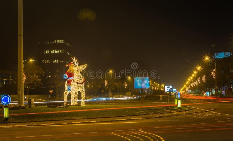 Santa Claus-Kerstmis en Nieuwjaar lichte installatie royalty-vrije stock afbeeldingen