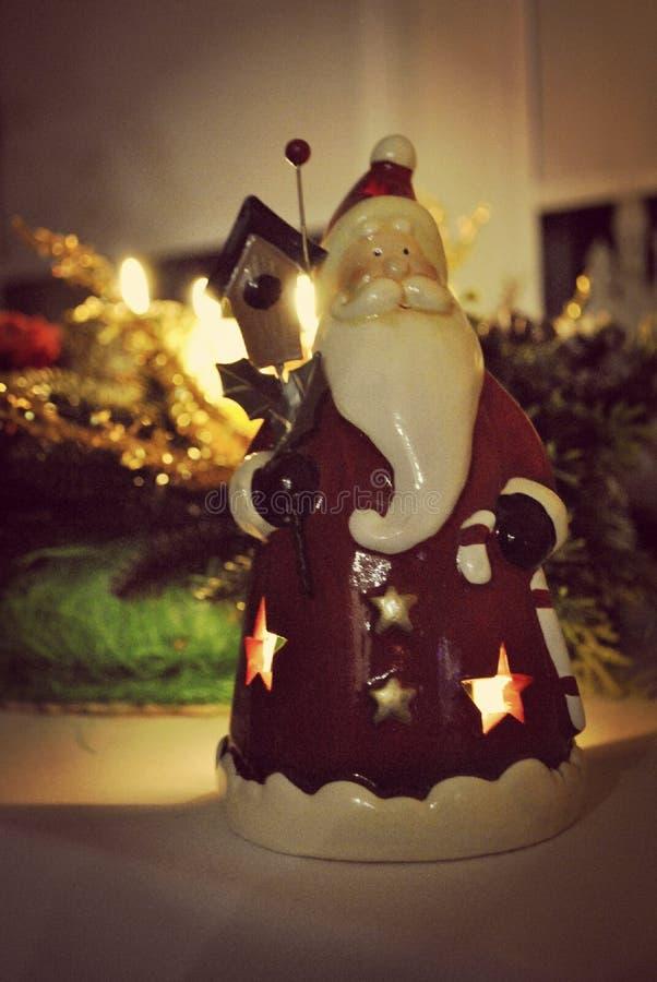 Santa Claus na nova janela fotografia de stock