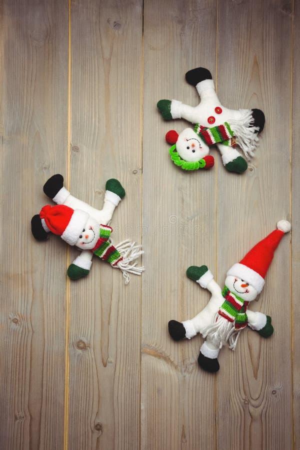 Download Santa Claus Och Snögubbe På Trätabellen Arkivfoto - Bild av festivity, kreativitet: 78725142