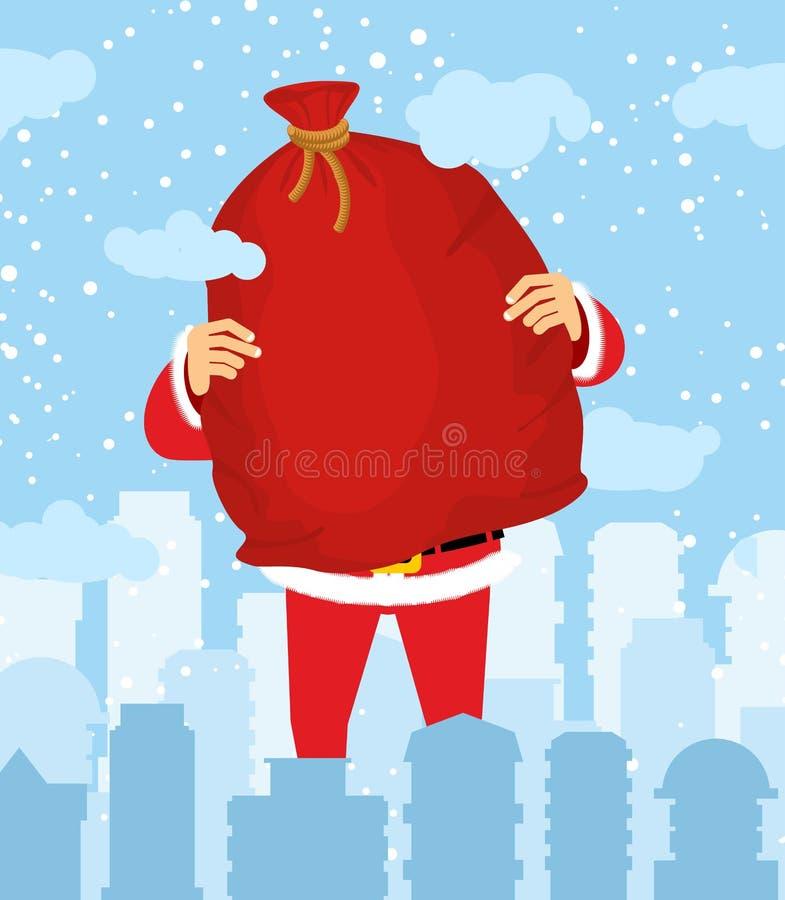 Santa Claus in stad draagt zak van giften Kerstmis in stad sneeuw royalty-vrije illustratie