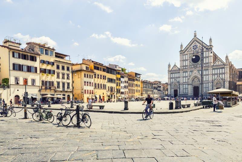Santa Croce kyrka i Florence, Italien royaltyfria foton