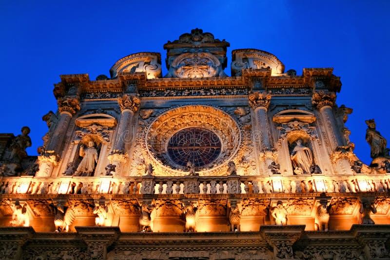 Santa- Crocekirche nachts lizenzfreie stockfotos