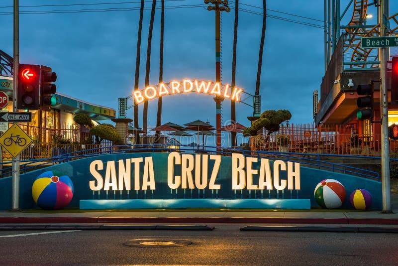 Santa Cruz Boardwalk y parque de atracciones imágenes de archivo libres de regalías