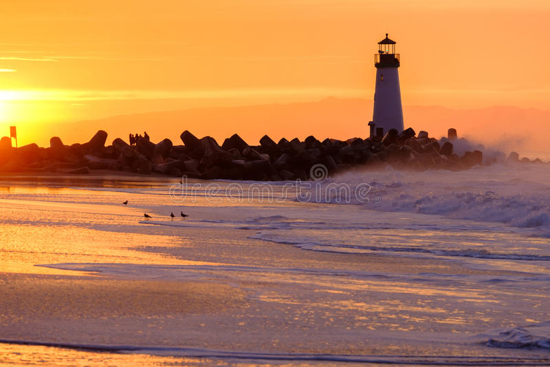 Santa Cruz Breakwater Light Walton Lighthouse bei Sonnenaufgang lizenzfreies stockbild