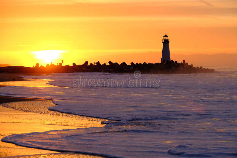 Santa Cruz Breakwater Light Walton Lighthouse bij zonsopgang royalty-vrije stock fotografie