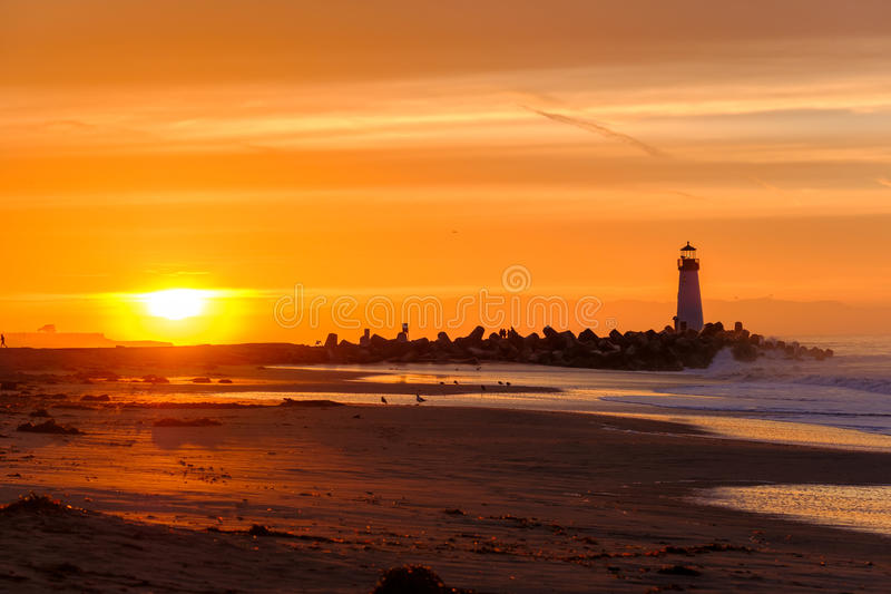 Santa Cruz Breakwater Light & x28; Walton Lighthouse & x29; bij zonsopgang stock fotografie