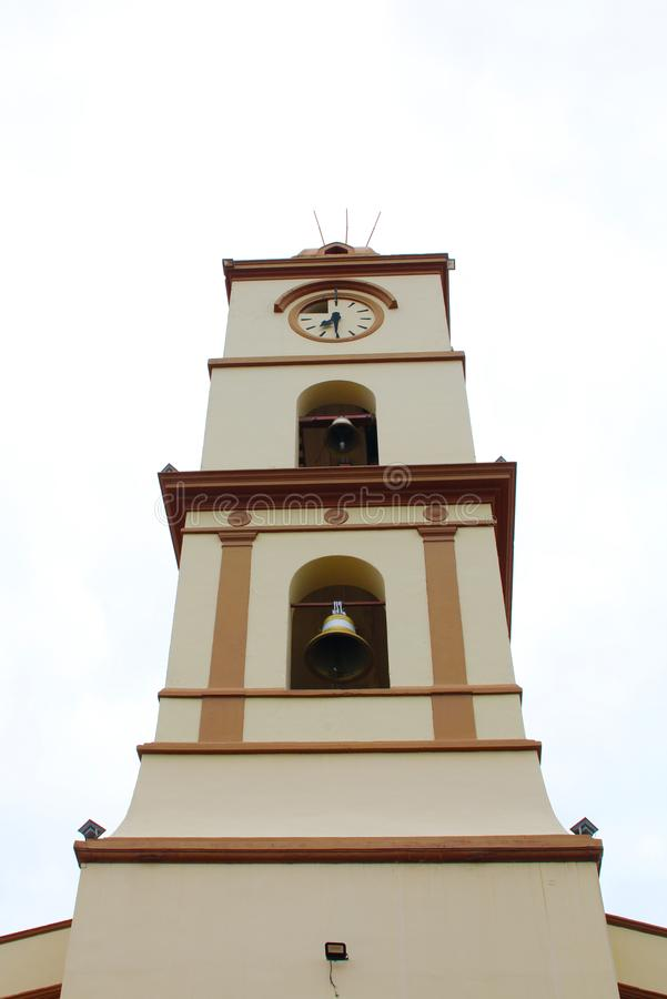 Santa Cruz de Λα Sierra, Βολιβία θρησκευτικός πύργος κουδουνιών εκκλησιών στοκ φωτογραφία με δικαίωμα ελεύθερης χρήσης