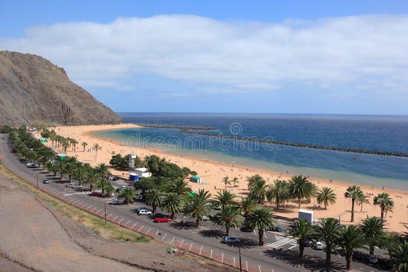 Santa Cruz de Tenerife, Spagna - 01 marzo 2008: bellissima beach Playa de las Teresitas fotografie stock libere da diritti