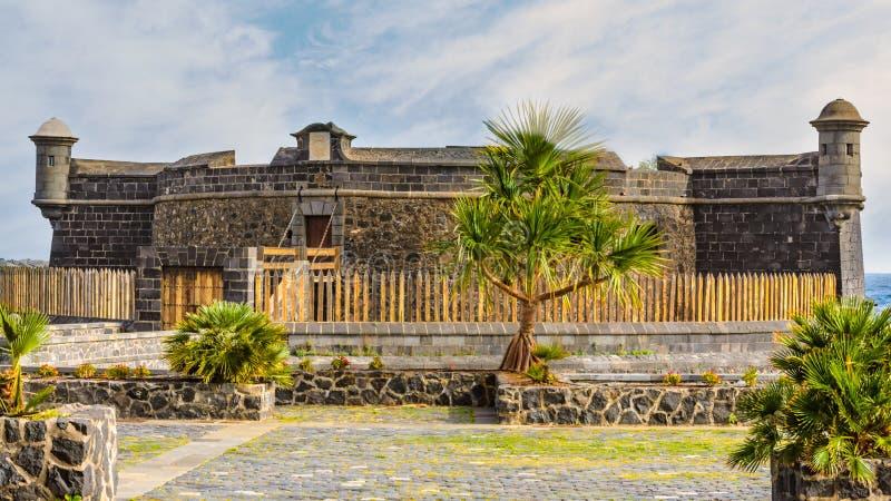 Santa Cruz, Spanje, 01/10/2015 - Castllo San Juan Bautista stock afbeelding