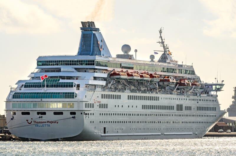 Santa Cruz, Spanje, 12/19/2014: Een cruiseschip in de haven stock afbeelding