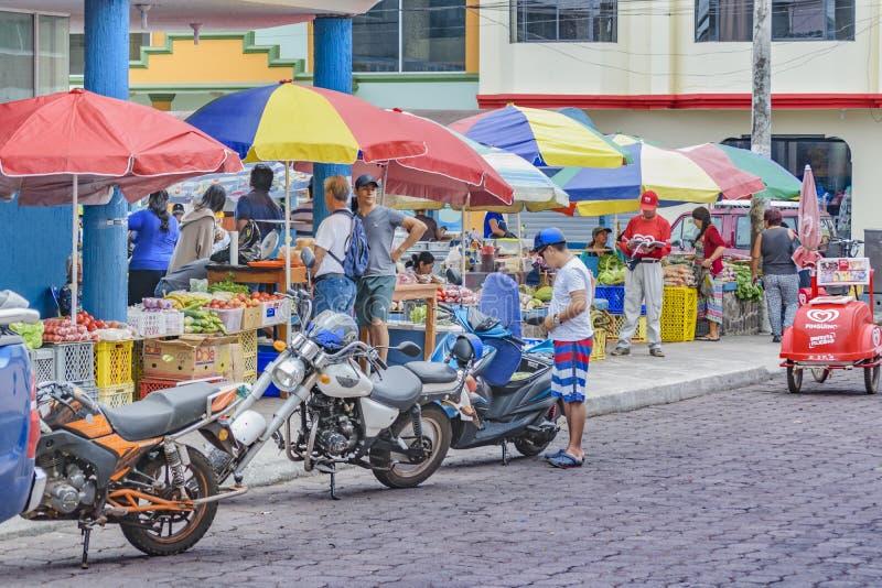 Santa Cruz Street Market, Galápagos, Equador fotos de stock royalty free