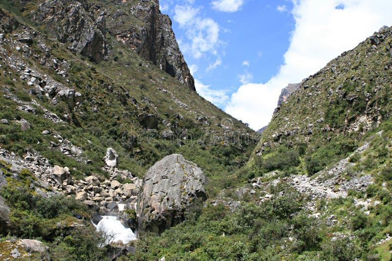 Santa Cruz Valley Trek - parque nacional de Huascaran, Perú imagenes de archivo