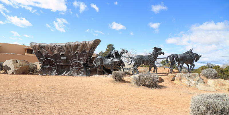 Santa Fe /New Mexico: Beeldhouwwerk op Museumheuvel - Reis` s Eind royalty-vrije stock foto's