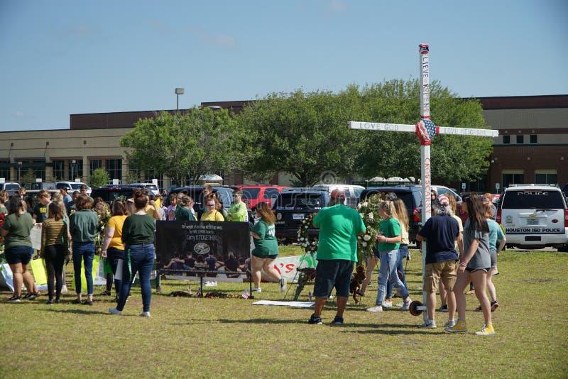 Santa Fe, Texas, EUA, o 29 de maio de 2018: Cerimonia comemorativa da posse dos estudantes antes de retornar de volta à escola imagem de stock royalty free