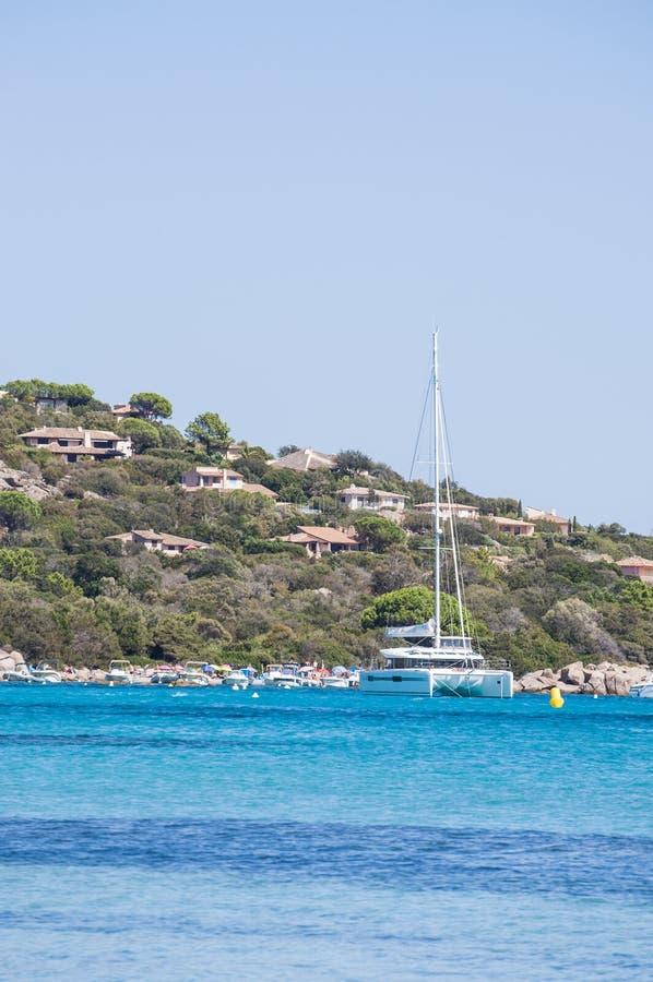 Santa Giulia-strand, strand, Corsica, Zuidelijk Corsica, Porto Vecchio, Middellandse Zee, overzees, het varen royalty-vrije stock foto