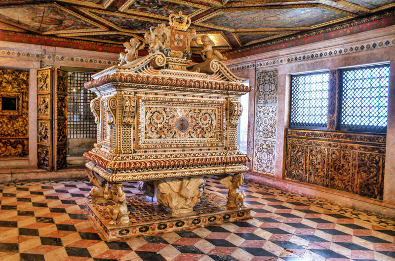 Download Santa Joana Princess Tomb In Aveiro Stock Image - Image of princess, church: 92490615