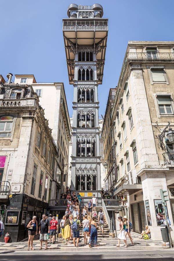 Santa Justa elevator i Lissabon portugal royaltyfri bild