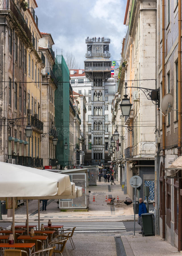 Santa Justa Lift kallade också den Carmo hissen i Lissabon arkivbilder