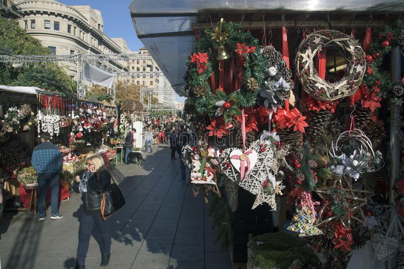 Santa Llucia Christmas marknad i Barcelona, Spanien royaltyfria foton
