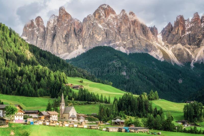 Santa Maddalena - Dolomit, Italien-Landschaft stockfotos