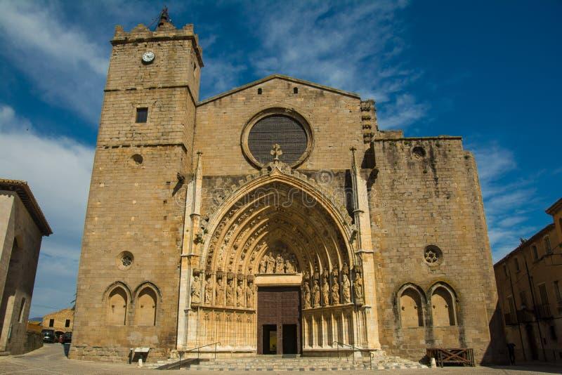 Santa Maria Basilica de Castello D ` Empuries stock afbeeldingen