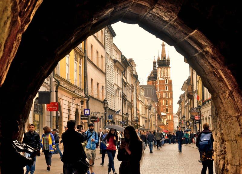 Santa Maria Basilica Krakow do olho de um turista imagem de stock