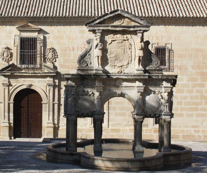 Santa Maria-Brunnen in Baeza stockfoto