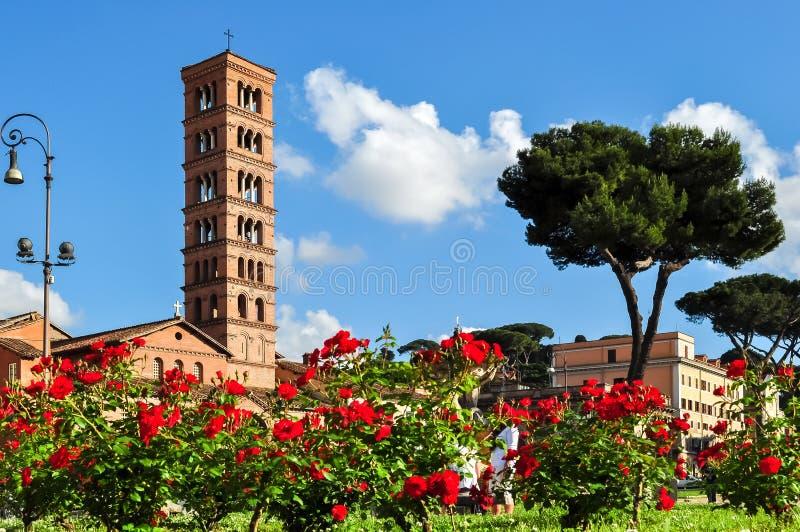 Santa Maria in Cosmedin-kerktoren, Rome, Italië stock afbeeldingen