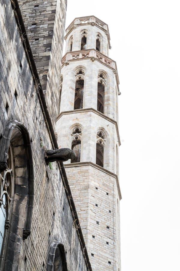 Santa Maria del Mar nei quarti gotici di Barcellona fotografia stock libera da diritti