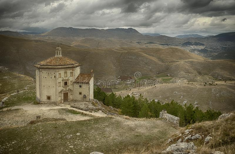 Santa Maria della PietÃ, Aquila, Włochy zdjęcie stock