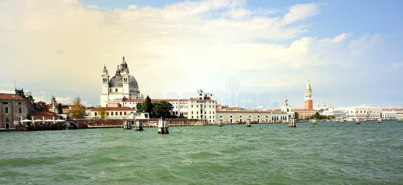 Download Santa Maria Della Salut Przy San Marco, Wenecja Obraz Stock Editorial - Obraz złożonej z schronienie, budynki: 106923304