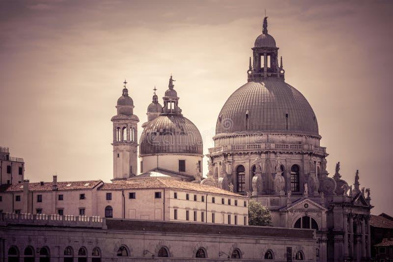 Santa Maria della Salute basilika i Venedig, Italien arkivfoto