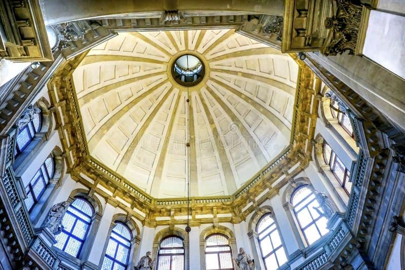 Santa Maria della Salute Church Basilica Dome Venedig Italien arkivbild