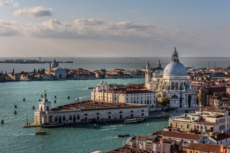 Santa Maria della Salute Church i Venedig Italien fotografering för bildbyråer