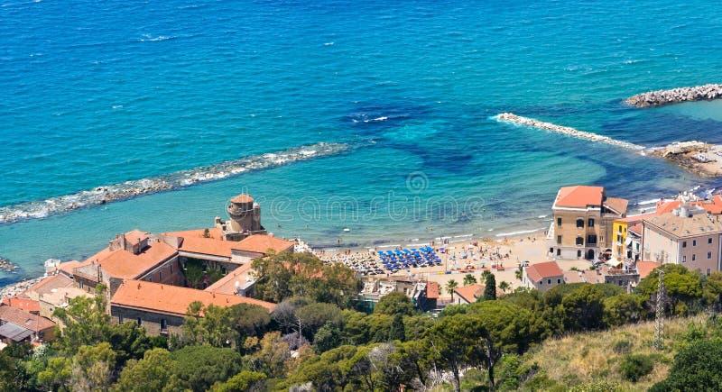 Santa Maria di Castellabate um Salerno foto de stock royalty free