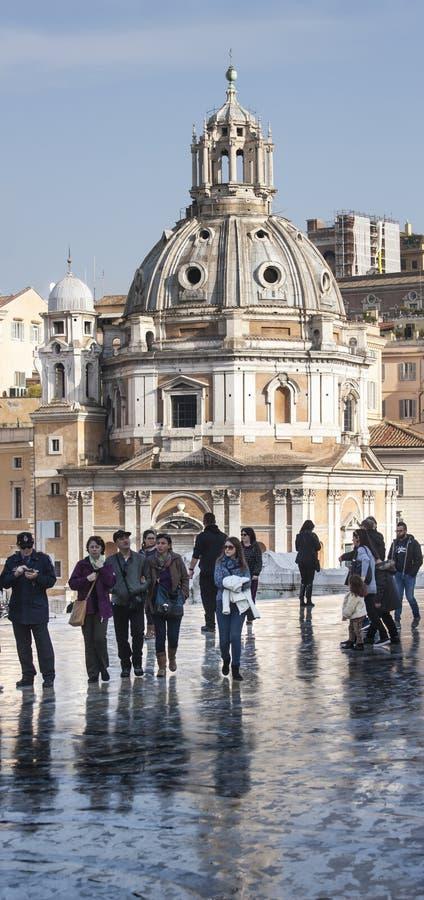 Santa Maria di Loreto, panorama vertical de Venezia de la plaza (Roma, Italia) imagenes de archivo