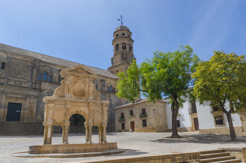 Santa Maria fountain and cathedral in Baeza royalty free stock photos