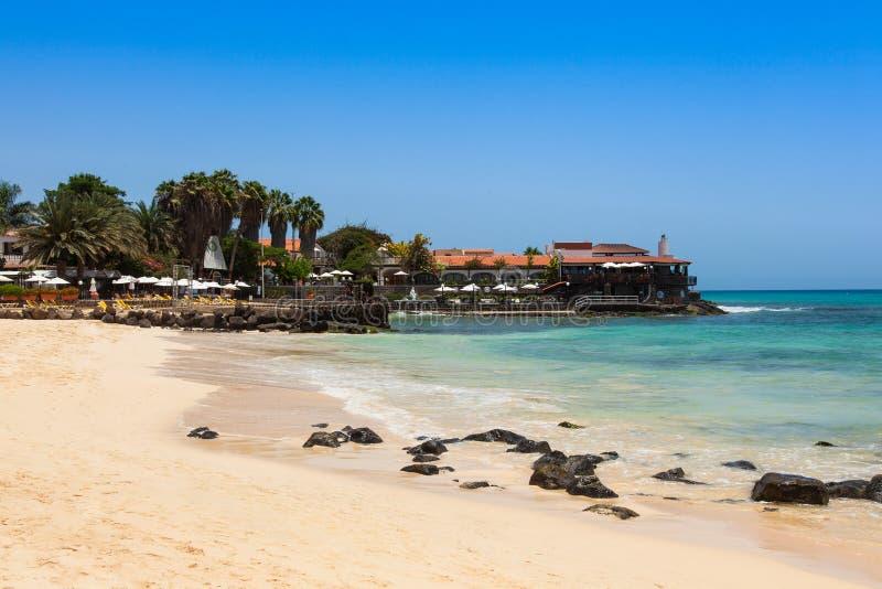 Santa Maria-Strand in der Salz-Insel Kap-Verde - Cabo Verde stockfoto