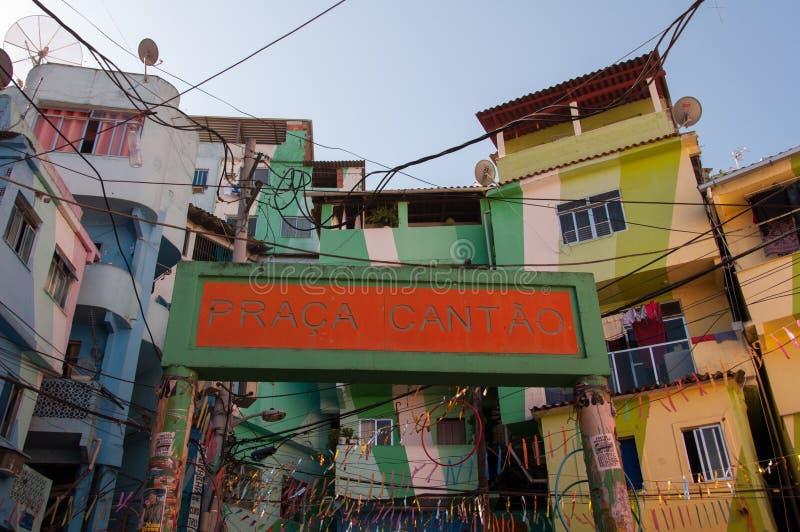Santa Marta favela i swój kolorowi domy fotografia royalty free