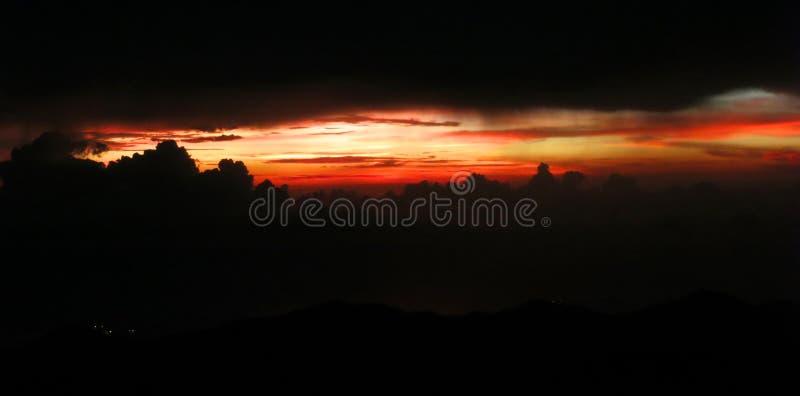 Santa Marta kust (Colombia) vanuit Gr Dorado brengt onder; Santa Marta stock foto