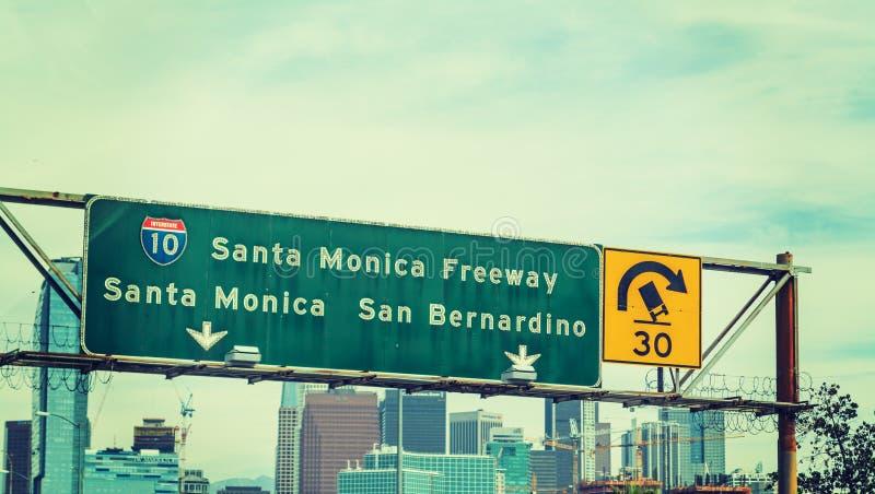 Santa Monica-Autobahn unterzeichnen herein Los Angeles lizenzfreies stockfoto