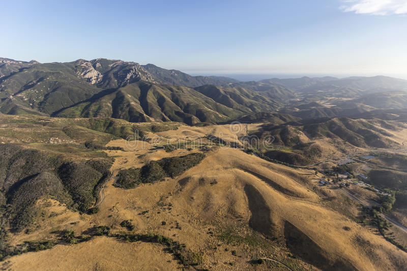 Santa Monica Mountains National Recreation Area antenn royaltyfri foto