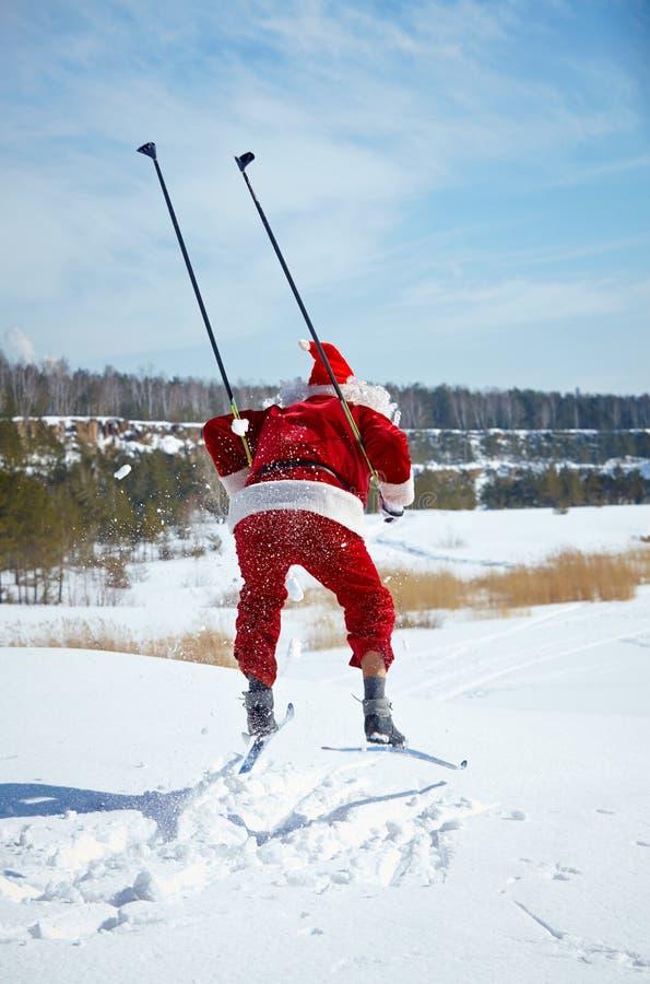 Santa narciarstwo obraz royalty free