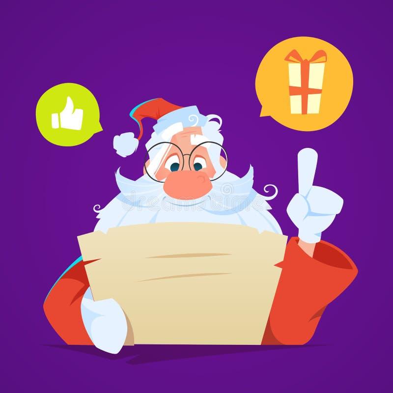 Santa obsiadanie przy czytanie listem i stołem zdjęcia royalty free