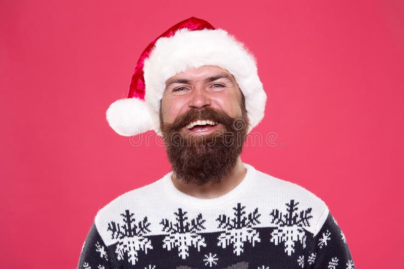 Santa Satisfeito Conceito de cabelo facial Barbershop Barber hipster Serviços de barbeiro Feliz barbeiro na moda santa foto de stock royalty free