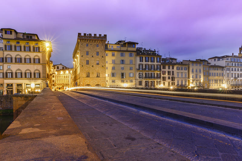 Download Santa Trinita Bridge In Florenz Bei Sonnenaufgang Italien Stockfoto - Bild von florenz, italienisch: 90234684