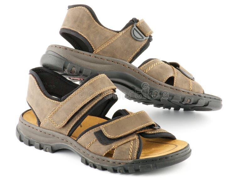 Santals des chaussures de l'homme de Brown avec le dispositif de fixation de Velcro photographie stock libre de droits