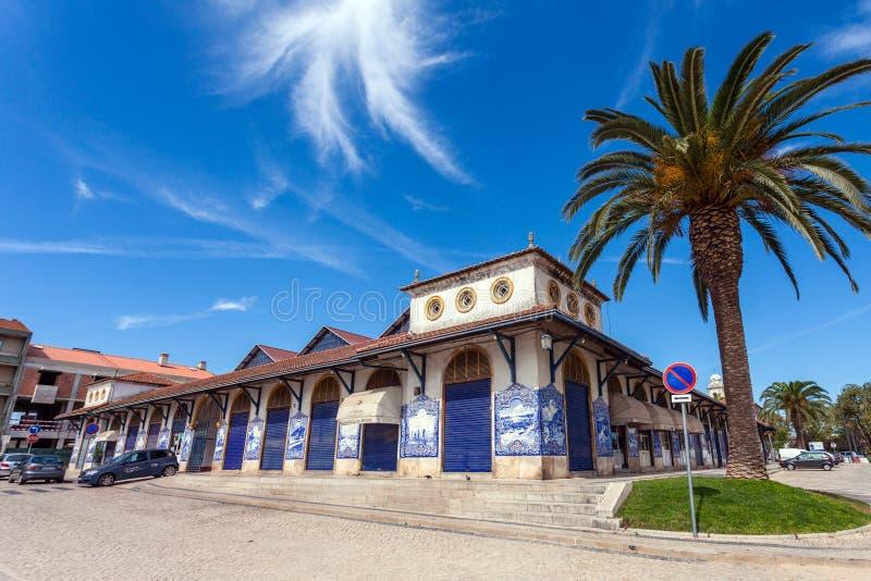 Santarem, Португалия - Mercado Муниципальный de Santarem или рынок фермеров стоковое фото rf