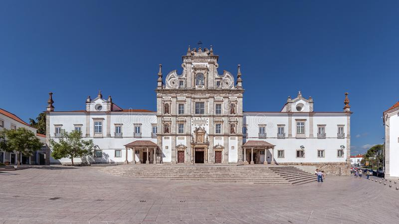Santarem, Portugal - Santarem ziet Kathedraal of Se Catedral DE Santarem stock afbeeldingen