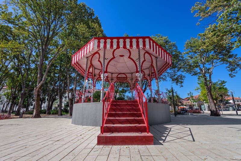 Santarem, Portugalia - xix wiek Bandstand w Jardim da Republica ogródzie zdjęcia stock